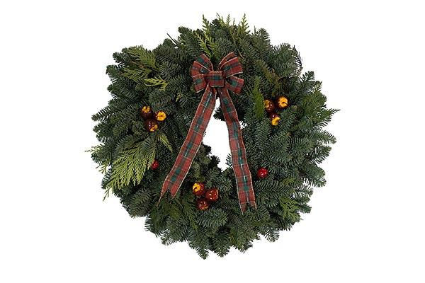32 in Apple Wreath